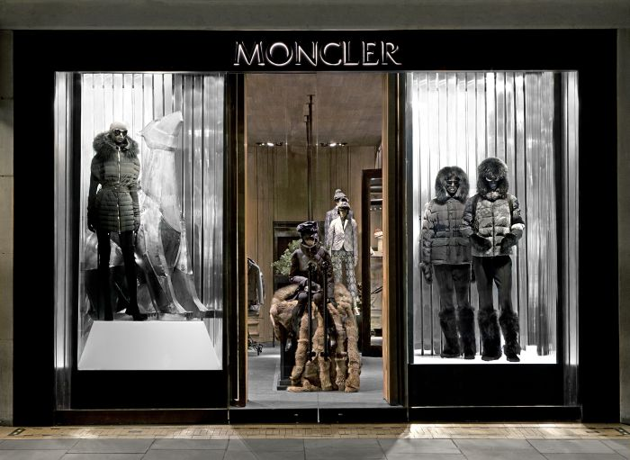 MONCLER WINDOW FW 14-15 - SHINY CHALET